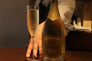 トリットリアバンブー - イタリアワインを中心に約100種類ほどご用意しております。ある程度熟成さした飲み頃のイタリアワインからグラスで楽しめるスタンダードなものまでお楽しみ下さい。