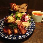ルーエプラッツ ツオップ - 豚肉の無花果ソース1800円