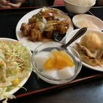 chuugokuryourikouka - 酢豚定食1280円 あとラーメンも付いてます