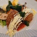 奈良食堂 - 牡蠣クリームコロッケ。