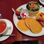 イタリアン・トマト カフェジュニア - ソーセージエッグモーニング(693円)