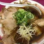 豚菜館 - 醤油ラーメン(中)肉多め(750円+200円)