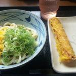 丸亀製麺 - ぶっかけ冷大380円 ちくわ天100円