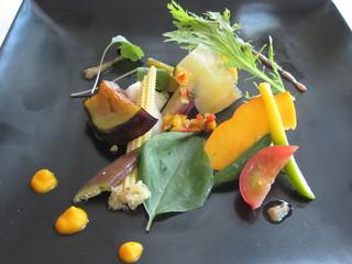 ベラ・ルーサ - 庭園風の野菜は様々な調理で楽しませてくれる