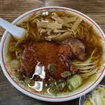 いろは食堂 - 甘めでコクがある熱々のスープがうまいです。