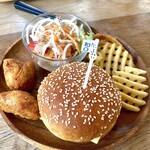 ハンドメイドキッチンOJ  - 料理写真:OJバーガーセット