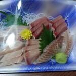 魚 お惣菜 たかや - 料理写真:お造り盛り合わせ
