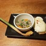 チキンプレイス - 生姜味噌漬け、鶏スジ煮込み、ハニーペースト