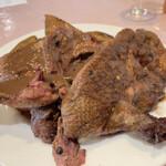 ル ビストロ - クロワゼ鴨。たけのこと玉ねぎを添えて。