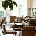 PASTA HOUSE AWkitchen FARM - 落ち着いた雰囲気のカフェスペース