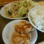 生香楼 - 肉野菜炒め、鶏唐揚げ