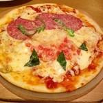 ココス - ハーフ&ハーフピザ(マルゲリータ&イタリアンサラミ)  ¥577