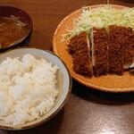 とんかつ鈴本 - チキンカツ定食  1050円