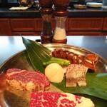 三笠会館 聖せき亭 - 座ると今日のメイン食材がバーンと! これだけでテンション上がる~♪