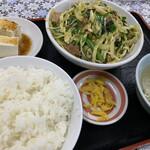 146406459 - ニラ豚定食