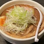 中華ソバ 櫻坂 - 魚出汁醤油の焼豚そば