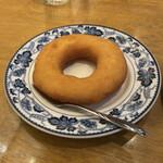 146409416 - ドーナツはなんだか懐かしくなる味わい