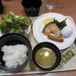 志高 - 朝食は和食中心のビュッフェを選んでみました、さすがに日本人。