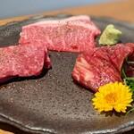 柳橋焼にく わにく - 川岸牧場産神戸ビーフ2種、黒毛和牛1種(特選焼肉ランチ)