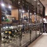 ペッシェ・ロッソ - 大きなワインセラー