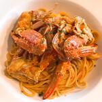 ピッツェリアマルターノ - 蟹のトマトクリーム