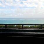 146441547 - カウンター席から海が眺められます