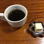 信夫山文庫 - お菓子と珈琲までついてきますꈍ .̮ ꈍ