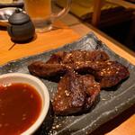 博多もつ鍋 大山 - こちらは選べる焼きものの「牛ハラミ」♡ビールと合います!