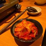 博多もつ鍋 大山 - 酸味が少ない旨辛キムチもコースについていますd(^_^o)