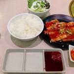 焼肉や漫遊亭 - 選べる チゲ焼肉ランチ 1,280円(税別) ♪