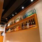 博多もつ鍋 大山 - 店内はシックにまとまりJAZZが流れる癒し空間です♡
