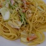 14645150 - ベーコンとキャベツ、アンチョビのスパゲッティ