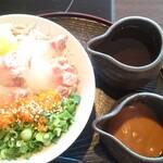 146461656 - 湘南しらすと桜鯛のなめろう丼 980円(税別)