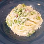 Osteria RIMA - パンチェッタと菜の花のクリームソース