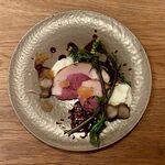 146465575 - 猪肉のハムとブッラータチーズに熟成ブルーベリーソース
