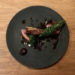 146465586 - 鴨肉と牛蒡、黒大蒜