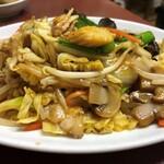 駅前泰陽楼 - 肉野菜炒め定食