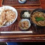 そば屋 きしち - 料理写真:天丼セット(天丼+温かいかけそば/830円)