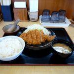 かつふじ - ロースカツ定食(714円)