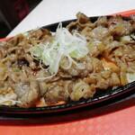 韓流めし屋 龍龍食堂 - 料理写真: