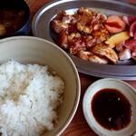 韓国天然石焼肉 さらだ - 焼肉ランチ(1280円税込)