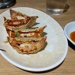 ヌードルダイニング 道麺 - お昼のセットメニュー ギョーザ4個 税込120円