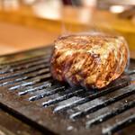 お肉一枚売りの焼肉店 焼肉とどろき - 黒毛和牛 A5 ロースステーキ150g@2,480円:煙をまるで闘気のように纏う様が愛おしく。