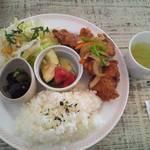 ウォールウォークカフェ - 今月のランチ(鶏のから揚げ)