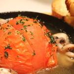 ササヤビーワイオー - 丸ごとトマトとイイダコのオーブン焼き