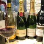 ササヤビーワイオー - ワインは全部で130種類♪初心者から通好みまで幅広くご用意。