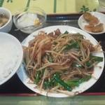 中国酒菜 好来 - ニラとレバーの炒め定食