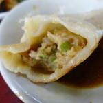 京華苑 - 肉厚の皮のジャンボ餃子