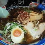 札幌ラーメン 熊吉 - ブラック醤油ラーメン 750円