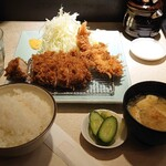 Ponchiken - 特ロース豚かつ定食・エビフライ追加